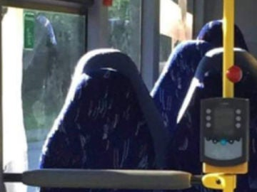 Imagen que confudió a los racistas con un burka