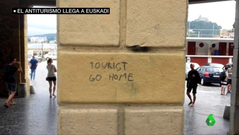 """La turismofobia se extiende al País Vasco: """"Aquí la violencia ya acabó, esperemos que no surja otro tipo de violencia"""""""