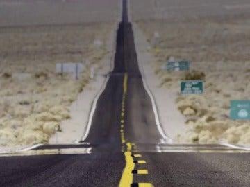 ¿Por qué el asfalto de la carretera se ve borroso en verano?