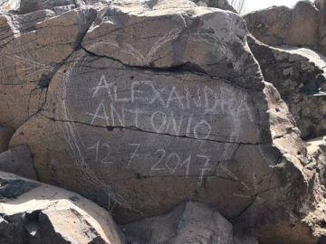 Graban un corazón con nombres en un yacimiento prehispánico de Gran Canaria