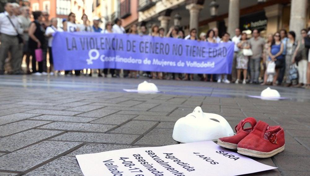 Concentración en Valladolid para condenar el asesinato de Sara