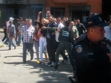 Luisa Ortega Díaz intentando entrar en el Ministerio Público