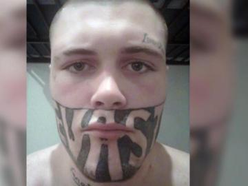 El tatuaje que cubre más de la mitad de su cara