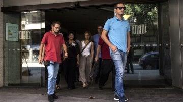 Miembros del comité de huelga de Eulen abandonan las dependencias del Departamento de Trabajo de la Generalitat