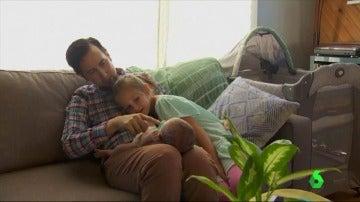 Dar a luz pese a ser un hombre: Padres transexuales se animan a concebir hijos de manera natural
