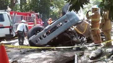 El Cuerpo de Bomberos de El Salvador en un accidente en una imagen de archivo