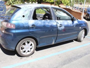Estado del coche en el que fue detenido el alunicero más buscado de Madrid