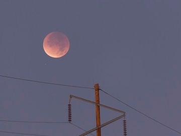 Un eclipse lunar parcial tornara ligeramente rojizo a nuestro satelite