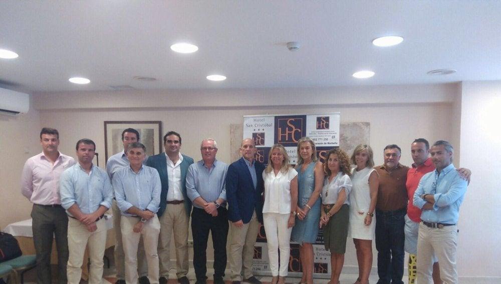 Miembros del PP y OSP tras el acuerdo de gobierno