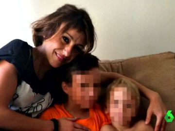 Juana Rivas posa junto a sus hijos por primera vez desde que huyó