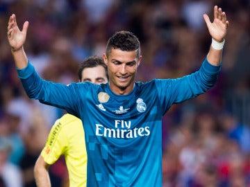 Cristiano Ronaldo, indignado tras su expulsión en el Camp Nou