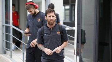 Piqué, detrás de Messi a su llegada a Madrid