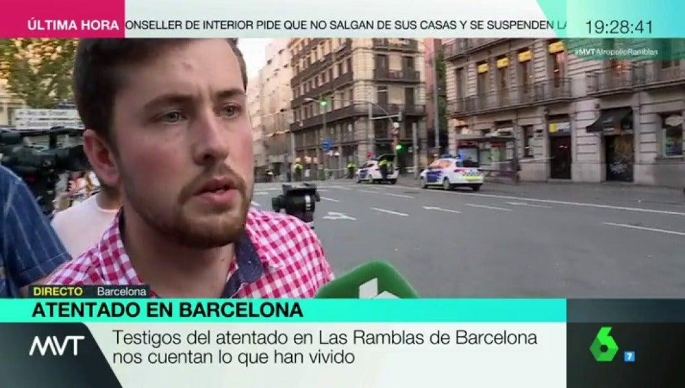 """Daniel Aragonés, testigo del atentado en Barcelona: """"He visto una marea de gente, con mucho terror y gritos huyendo de la zona"""""""