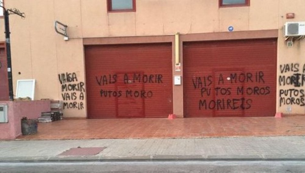 Pintadas xenófobas en Tarragona tras los atentados de Barcelona y Cambrils