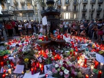 Homenaje a las víctimas en Barcelona