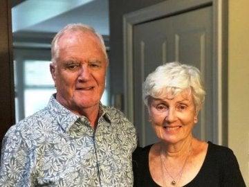 Ian Moore Wilson junto a su esposa, herida en el atentado de Barcelona