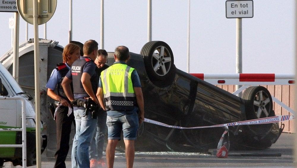 Vehículo utilizado por los terroristas en el atentado de Cambrils