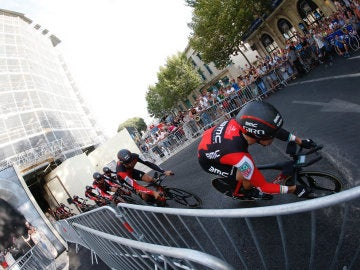 El equipo BMC, durante la crono por equipos de la primera etapa de la Vuelta a España