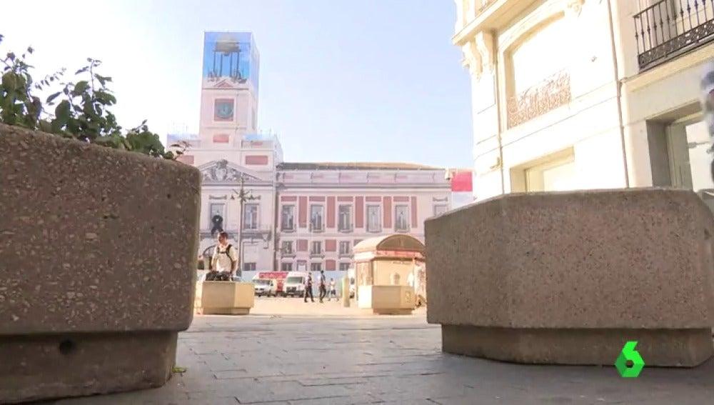 Maceteros colocados en la Puerta del Sol