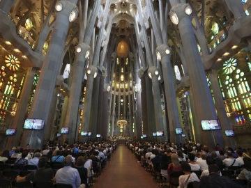 Vista general de la basílica de la Sagrada Familia en la Misa por la Paz en memoria de las víctimas de los atentados de Barcelona y Cambrils