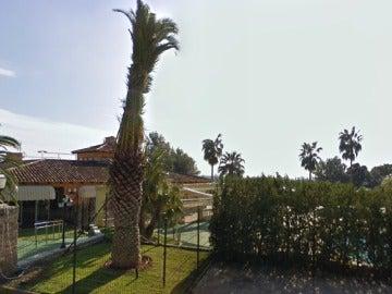 Denuncian al dueño de una piscina en Mallorca por prohibir la entrada a gitanos.