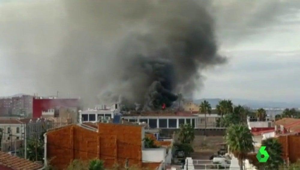 Incendio en una discoteca de la playa de la Malvarrosa