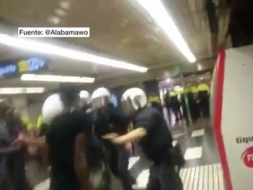 Enfrentamiento de manteros y Guardia Urbana