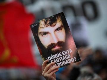 Manifestantes exigen al Gobierno esclarecer la desaparición de Santiago Maldonado