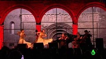 Música y baile en Ripoll para homenajear a las víctimas y rechazar el terrorismo
