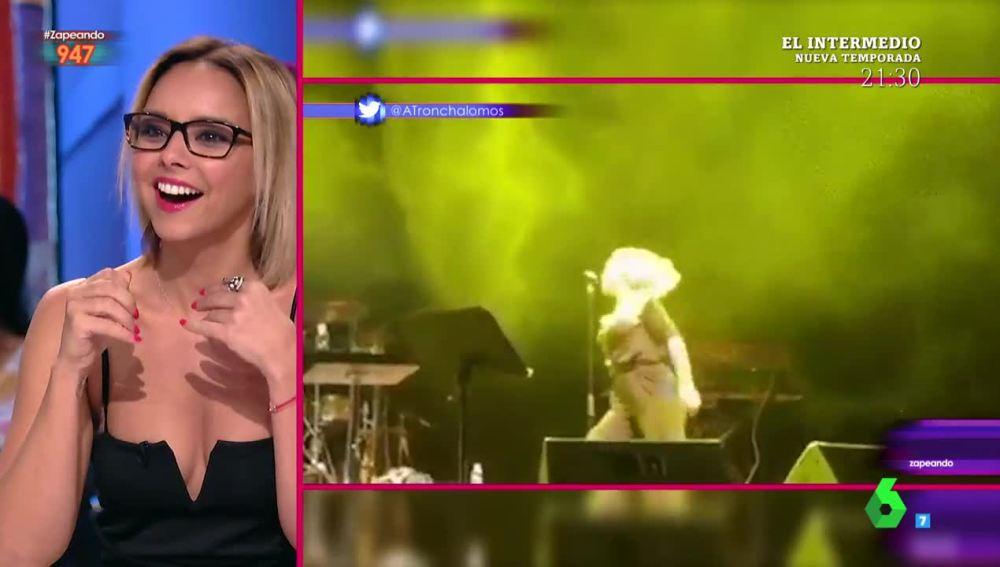 Chenoa se ríe de su accidente en un concierto