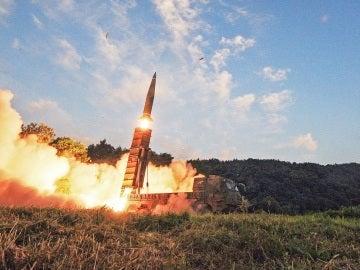 Seúl realiza maniobras navales con fuego real tras el ensayo nuclear norcoreano
