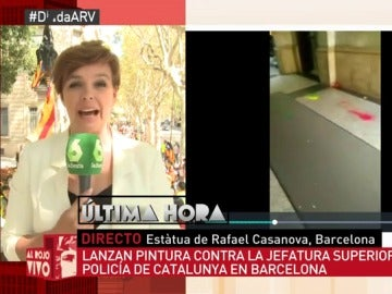 Lanzan botes de pintura contra la Jefatura Superior de Policía de Cataluña en Barcelona