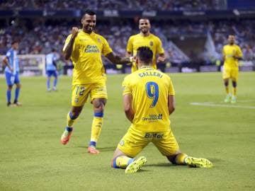 Los jugadores de Las Palmas celebran un gol ante el Málaga