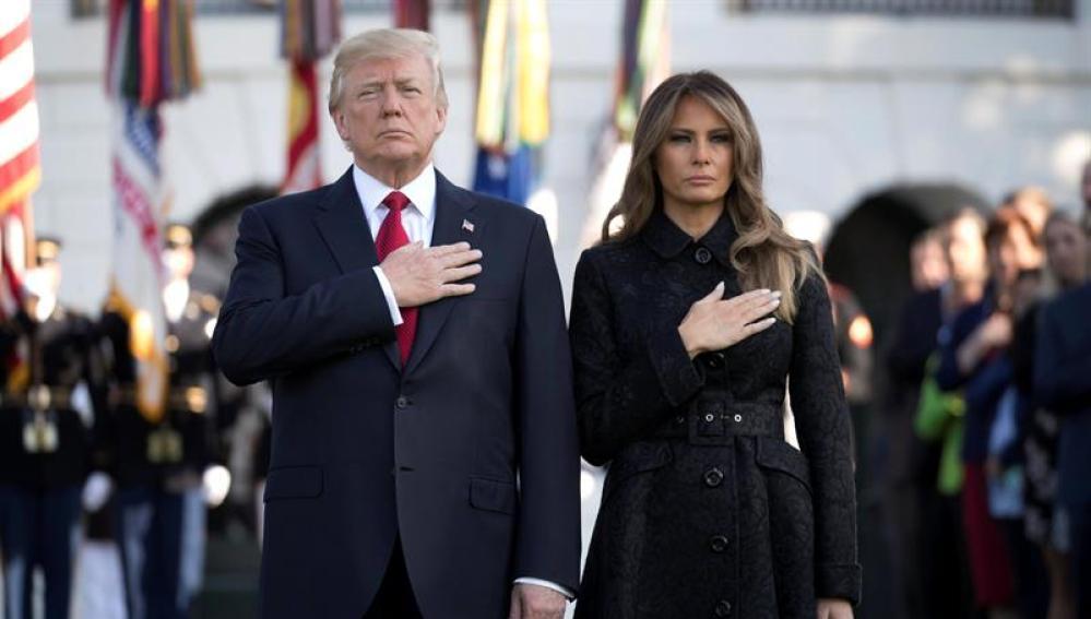 MUNDO   Trump y Melania encabezan momento de silencio por víctimas del 11S