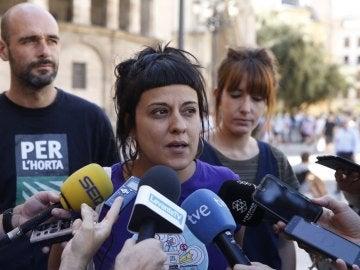 Anna Gabriel hablando ante los medios
