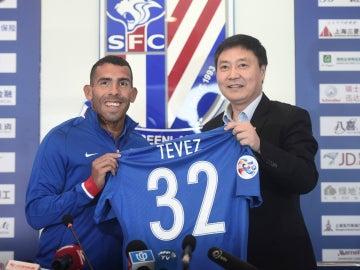 Carlos Tévez, presentado con el Shanghai Shenhua