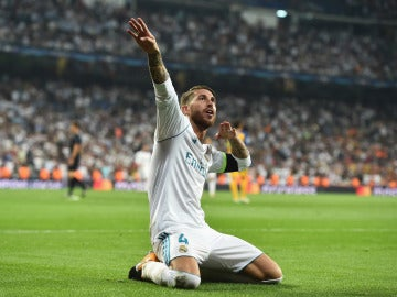 Sergio Ramos celebra su gol en el Bernabéu