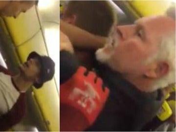 Capturas del momento en el que el pasajero ebrio es reducido por otro viajero