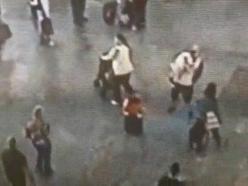 La Guardia Civil salva la vida a un niño de dos años cuando convulsionaba y estaba inconsciente en el aeropuerto de Alicante