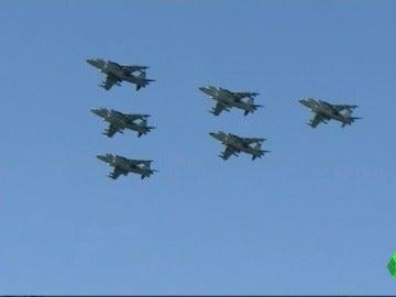 Exhibición aérea en Rota, Cádiz, por el centenario de la Aviación Naval en España