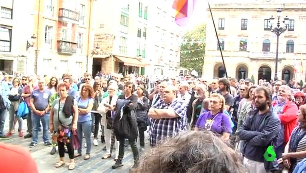 """El Ayuntamiento de Gijón revoca el permiso para celebrar un debate sobre el referéndum del 1-O: """"Es un acto de censura"""""""