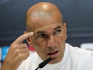 Zidane durante la rueda de prensa