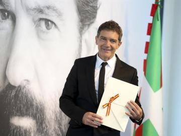 Antonio Banderas agradece el Premio Nacional de Cinematografía en reconocimiento a su carrera como actor, director y productor