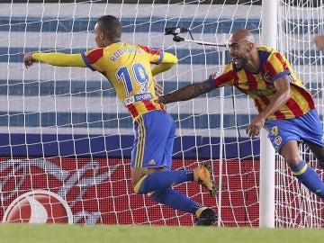 Rodrigo celebra su gol contra la Real Sociedad