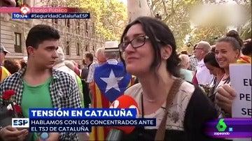 Una manifestante pro referéndum