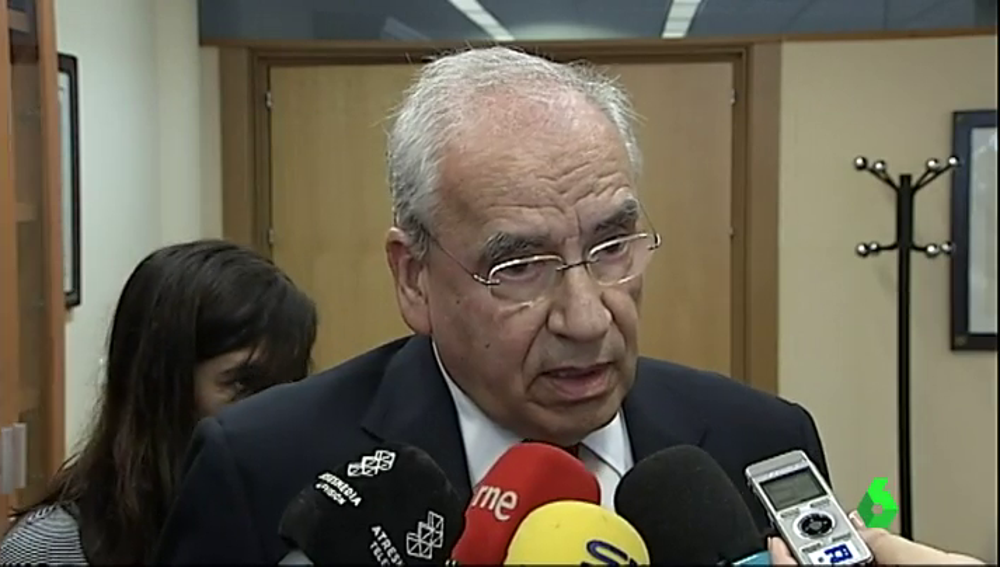 "Alfonso Guerra  califica de ""insólito, insoportable e intolerable"" la situación de Cataluña"