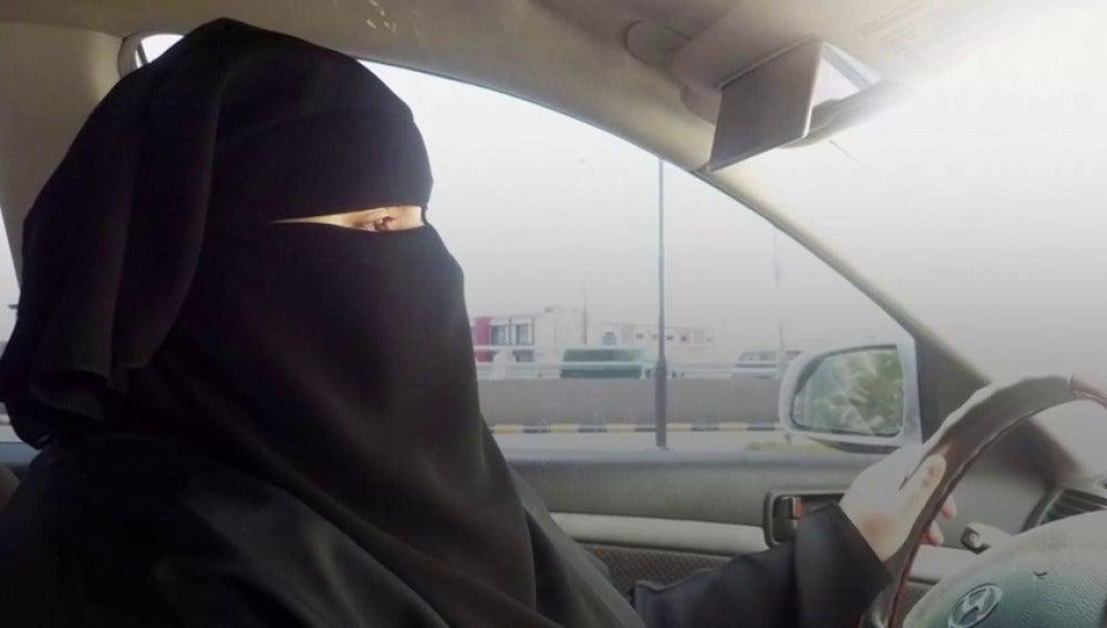 8 cosas que las mujeres siguen sin poder hacer en Arabia Saudí