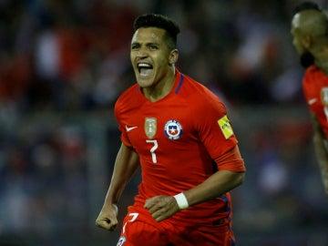 Alexis Sánchez celebra un gol