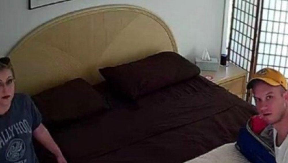 cámara oculta dormitorio de la universidad