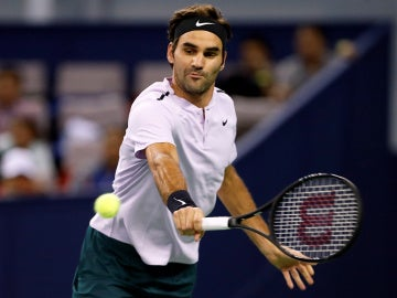 Roger Federer, en acción durante el Masters 1000 de Shanghái